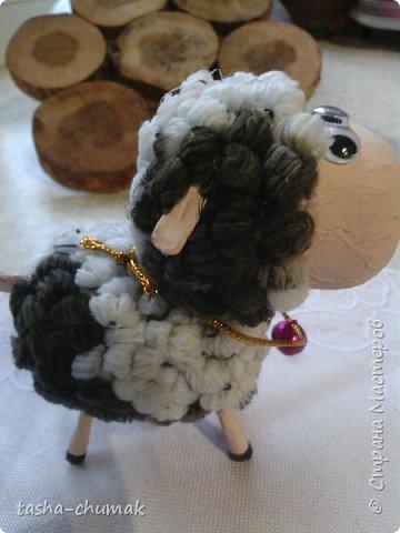 Помните мою овечку?  ( https://stranamasterov.ru/node/842183 )   Я сделала её по МК Лианы ( https://stranamasterov.ru/node/754719?c=favorite )  Замучилась крутить барашки!... фото 3