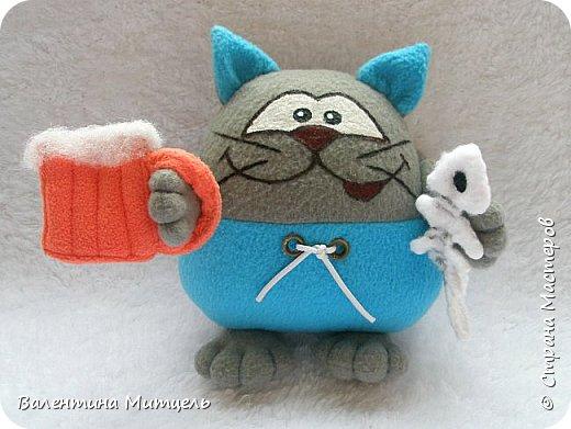 Плюшевые игрушки у лобового стекла - tchaykovsky ru