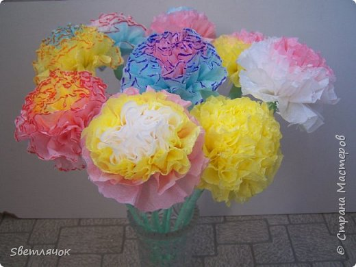 Мы с дочкой уже готовы к 23 февраля, подарки уже есть! Вот таких цветочков наделали для того чтобы поздравить дедушку, папу и брата :) фото 3