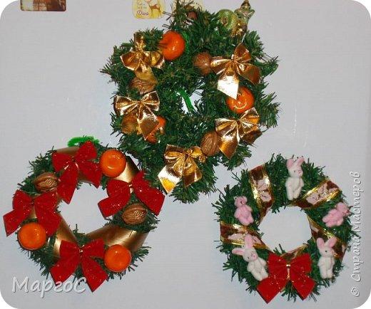 Эти венки были сделаны как сувениры на Новый год. Были еще, но сфотографировать удалось не все. фото 1