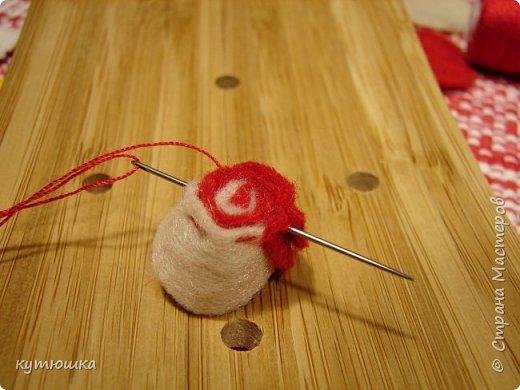 вот такая милая розочка , можно сделать несколько и поставить в  вазочку  :)  , а можно сделать без ножки и пришить в  качестве  украшения ... фото 15