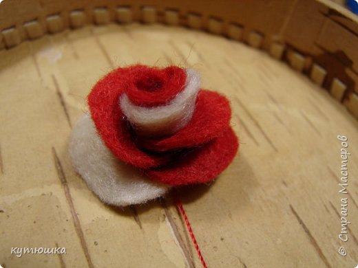 вот такая милая розочка , можно сделать несколько и поставить в  вазочку  :)  , а можно сделать без ножки и пришить в  качестве  украшения ... фото 20