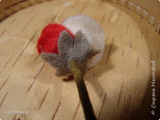 вот такая милая розочка , можно сделать несколько и поставить в  вазочку  :)  , а можно сделать без ножки и пришить в  качестве  украшения ... фото 25