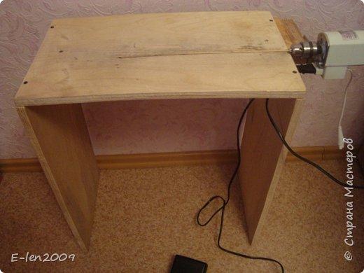 Столик сделан из фанеры. Размером 50*30*55,но высота столика зависит от вашего желания. фото 1