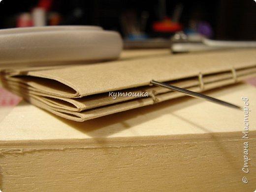 этот мк будет интересен тем, кто увлекается изготовлением блокнотов и просто тем людям, которые любят работать с бумагой... Хотя кому то  возможно, будет просто интересна данная  информация. фото 43