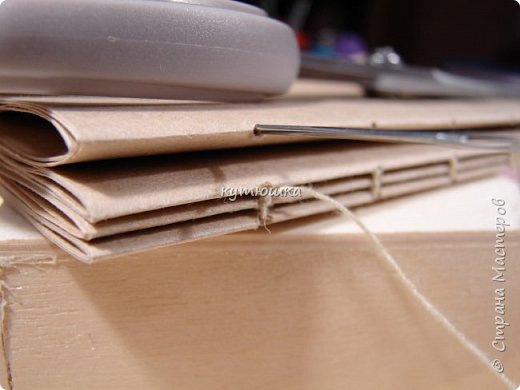 этот мк будет интересен тем, кто увлекается изготовлением блокнотов и просто тем людям, которые любят работать с бумагой... Хотя кому то  возможно, будет просто интересна данная  информация. фото 45