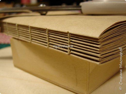 этот мк будет интересен тем, кто увлекается изготовлением блокнотов и просто тем людям, которые любят работать с бумагой... Хотя кому то  возможно, будет просто интересна данная  информация. фото 46
