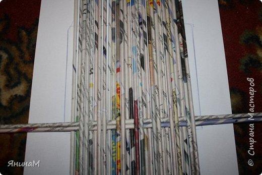 Мастер-класс Плетение Ровное квадратное дно Бумага газетная Трубочки бумажные фото 3