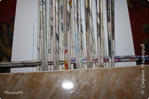 Мастер-класс Плетение Ровное квадратное дно Бумага газетная Трубочки бумажные фото 10