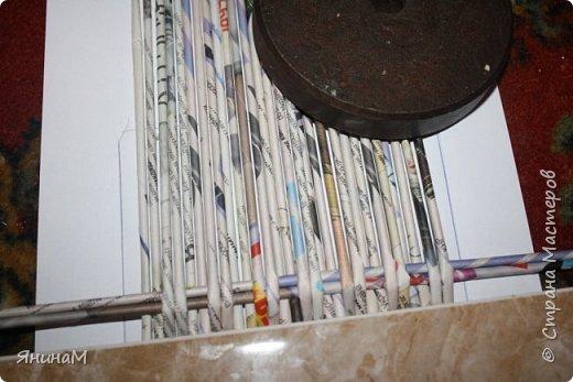 Мастер-класс Плетение Ровное квадратное дно Бумага газетная Трубочки бумажные фото 11