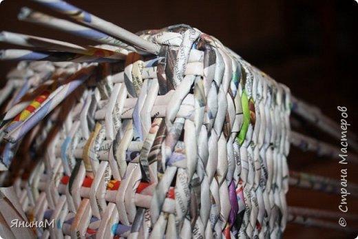 Мастер-класс Плетение Ровное квадратное дно Бумага газетная Трубочки бумажные фото 20