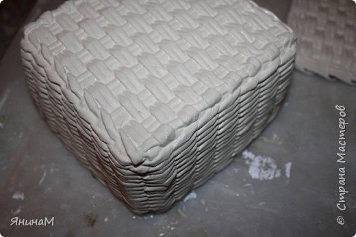 Мастер-класс Плетение Ровное квадратное дно Бумага газетная Трубочки бумажные фото 25