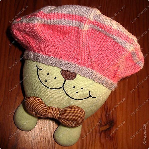 """Добрый день всем жителям и гостям Страны. На весну для моих крестниц Машунь (старшей 7 лет, младшей 8 месяцев) связались шапочки. Первая шапочка вязалась по картинке, так как надо было повторить шапочку, связанную изначально крючком <a href = """"http://www.liveinternet.ru/users/kajo_oschka/post318107157/""""> cсылка. </a> фото 8"""