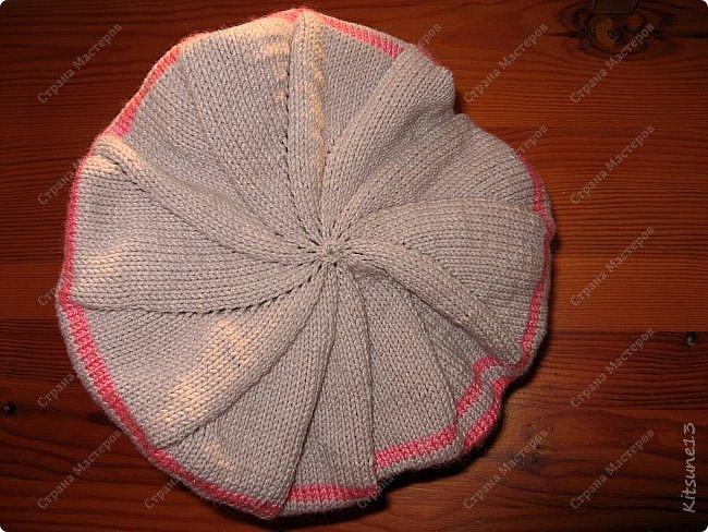 """Добрый день всем жителям и гостям Страны. На весну для моих крестниц Машунь (старшей 7 лет, младшей 8 месяцев) связались шапочки. Первая шапочка вязалась по картинке, так как надо было повторить шапочку, связанную изначально крючком <a href = """"http://www.liveinternet.ru/users/kajo_oschka/post318107157/""""> cсылка. </a> фото 9"""
