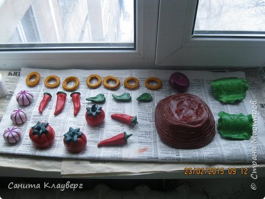 Здравствуйте всем кто решил посмотреть мое творение !!!! Начало работы соленое тесто..Как его делать не буду описывать здесь очень много хороших рецептов..каждый может выбрать для себя самый наилучший в работе.. фото 14