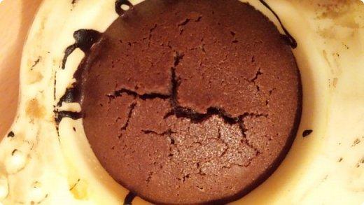 Этот рецепт я нашла на просторах интернета,поэтому на права не претендую,просто просят поделиться рецептом(делюсь):  И так ингредиенты: Шоколад 100гр. Сахарный песок 6 ложек Масло сливочное(несоленое) 100гр. Яйцо куриное 3шт. Мука 4ст.л.  фото 9