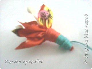Сегодня я расскажу, как сделать очень простые, но эффектные цветы для заколок и других украшений.  фото 9