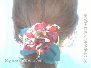 Сегодня я расскажу, как сделать очень простые, но эффектные цветы для заколок и других украшений.  фото 13