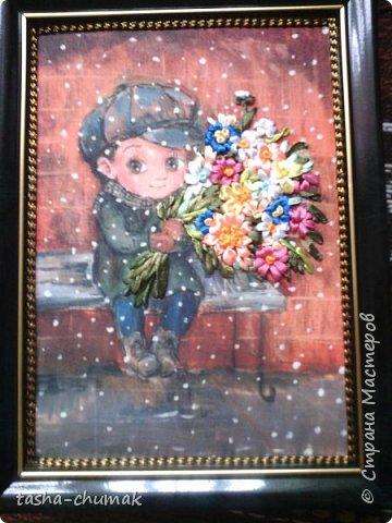 Вот и я делаю себе и...ВАМ подарочек на 8-е Марта!   Картинку нашла в интернете. Размерчик -15х21. (Картина современной грузинской художницы Нино Чакветадзе) Проба вышивки по трансферной картинке. Заказывала в мастерской два рисунка. Выполняется по принципу переводной картинки. Прокалывать туговато, при растяжке- рвется.. Не довольна. Но сама картинка!... Влюбилась в этого паренька навсегда! фото 6