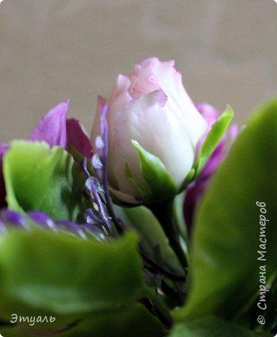 Всем доброго дня! Спешу поделиться с вами своей новой работой. У меня прям какая то страсть к розам,  что бы я не делала, всё время думаю о них. Случайно мне попался на глаза каталог с розами, я даже представить себе не могла, что их такое разнообразие. И все такие безумно красивые!!! Уже представляю какой будет следущая роза))) Фоток много, так что желаю приятного просмотра!!! фото 6