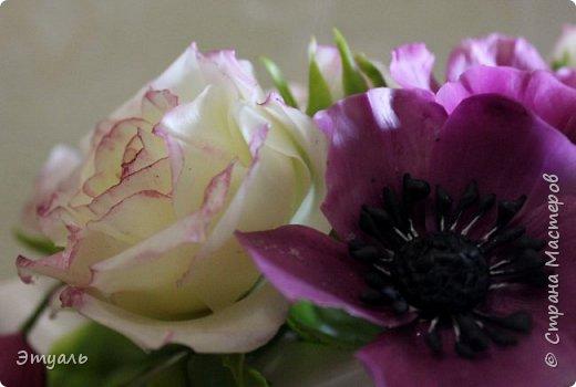 Всем доброго дня! Спешу поделиться с вами своей новой работой. У меня прям какая то страсть к розам,  что бы я не делала, всё время думаю о них. Случайно мне попался на глаза каталог с розами, я даже представить себе не могла, что их такое разнообразие. И все такие безумно красивые!!! Уже представляю какой будет следущая роза))) Фоток много, так что желаю приятного просмотра!!! фото 7