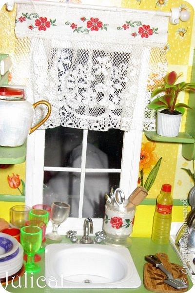 Здравствуйте, уважаемые жители Страны мастеров и ее гости!!!  Рада приветствовать вас в моей второй теме про Домик для Мишутки Даринки! Домик - это подарок моей доченьке к Новому 2014 году.  Изготовление его продолжается уже третий месяц, хоть Новый год уже давно позади....  Начало нашей истории смотрите в моем первом блоге http://stranamasterov.ru/node/713606  Итак, домик по-прежнему выглядит так. фото 114