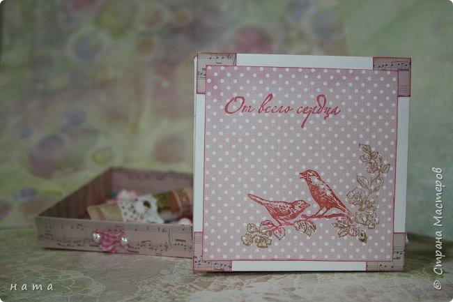 """Поскрапила немножко))) В подарок на свадьбу сотворился вот такой """"комодик-открытка"""" для денежки - три в одном, так сказать фото 5"""