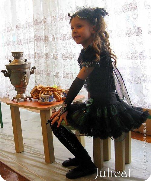"""Здравствуйте, уважаемые гости! Сегодня хочу показать Вам очередные мои костюмы на утренник для моей младшей доченьки шестилетней Катюши и ее друга Владика. Как Вы уже поняли - эта парочка - персонажи сказки """"Муха-Цокотуха"""" - Муха и Комар. Роли им попались очень символичные - ребят связывает дружба, ну, практически любовь, с самого рождения, а вернее еще до него))) Кстати, Комарик старше Мухи аж на 1 день - вот так бывает))) фото 4"""