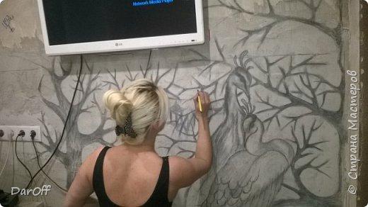 Видео Интерьер Мастер-класс Боже как же долго   - Моя новая кухня - Часть щестая - Объемная картина на стене Павлины в  лесу   фото 2
