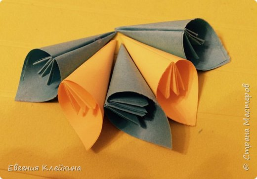 Здравствуйте, хочу вам предложить свою версию кусудамы, как украшение для интерьера. фото 21