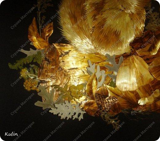 Белка, или как ее называли еще славяне векша, урма или мысь – это мелкий лесной зверек. Из-за своих крепких зубов, как и другие грызуны – зайцы, кроты, мыши и крысы - является зверем бога Перуна. Белки с легкостью разгрызают орехи и желуди – словно трещат камни и расщепляются деревья от молний, проводят аналогию древние.  фото 4