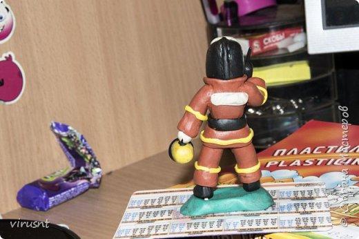 Пожарник из пластилина своими руками поэтапно фото 19