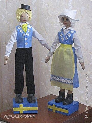 Куклы в национальных шведских костюмах фото 4