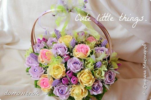 """Привет Страна ! Я к вам на """"лисапеде"""" сегодня приехала .  Заказ на день рождения-велосипед-кашпо с цветочками...все бы хорошо, о только это мальчику на 18 лет...розы отпали сразу, накрутила ромашек...они тоже отпали...остались только """"мужские"""" цветочки : василеК, подсолнуХ и лютиК(ну это я так думаю, что это лютик), Дашуля мне еще колокольчик подсказывала, очень бы с ним наверное хорошо было, но сроки... фото 13"""