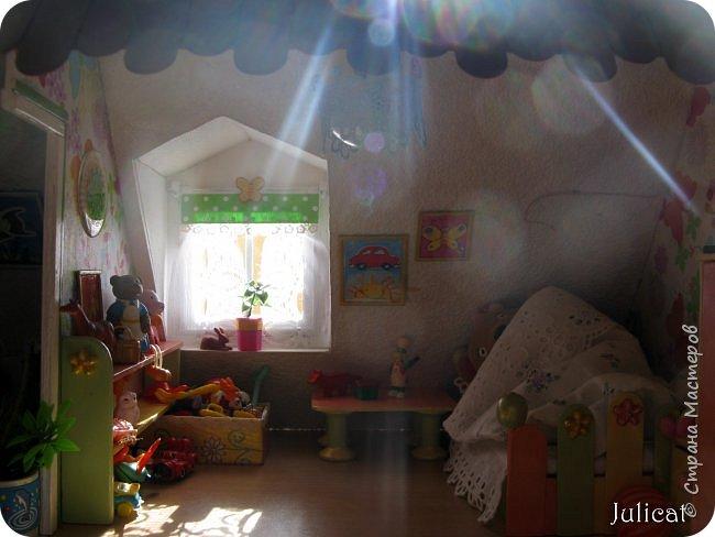 Здравствуйте, уважаемые жители Страны мастеров и ее гости!!!  Рада приветствовать вас в моей второй теме про Домик для Мишутки Даринки! Домик - это подарок моей доченьке к Новому 2014 году.  Изготовление его продолжается уже третий месяц, хоть Новый год уже давно позади....  Начало нашей истории смотрите в моем первом блоге http://stranamasterov.ru/node/713606  Итак, домик по-прежнему выглядит так. фото 76