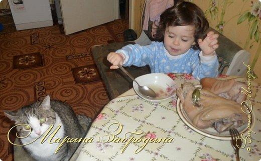 Добрый день! Сегодня буду готовить рулет из свиной рульки. Блюдо очень простое, вкусное. Скажу сразу, что это блюдо для любителей холодца, поскольку рулет подается в холодном виде. Вкусно и красиво, альтернатива колбасе. Здесь нет консервантов и красителей. Ну и бюджетный вариант :)  фото 8