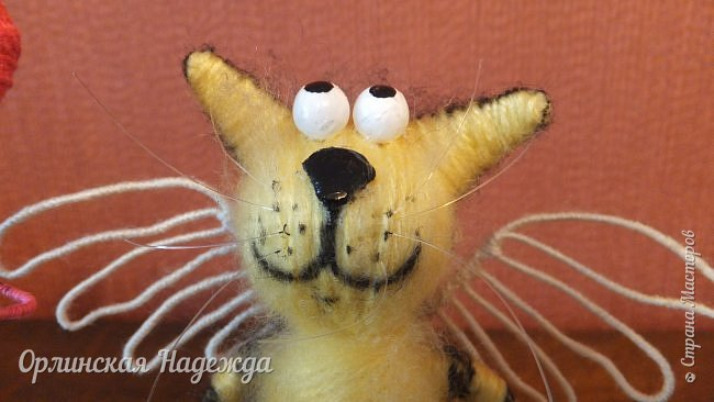 Здравствуйте дорогие мастера и мастерицы!  Сегодня я сделала шуточного кота-ангела из пробки, проволоки и пряжи. Идею вязанного кота увидела  у МАСТЕРА Елены, ник ЯМИ. Не знаю увидит ли она когда нибудь мою работу, но всё равно хочу поблагодарить её от всей души за идею. фото 20