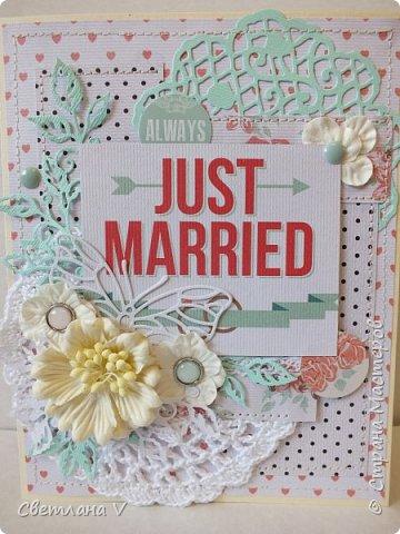 Попросили сделать открытку на свадьбу с кармашком для денег..сначала процесс создания открытки шел туго, но потом, как говорится, понесло)) Бумага - моя любимая Тереза Коллинз. Здесь  кружево (которого почти не видно), вязанная крючком салфетка, вырубка, цветочки и брадс: фото 2