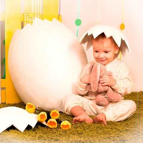Недавно я получила необычный заказ для пасхального фото-проекта. Нужно было сделать огромное яйцо, да чтобы туда помещался ребенок! О выбранном пути и трудностях на нем, читайте ниже :)  фото 1