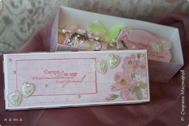 На свадьбу сотворился комплектик: Магнит на холодильник Коробочка с подложкой из роз Открыточка в коробочке футляр для денежки фото 10
