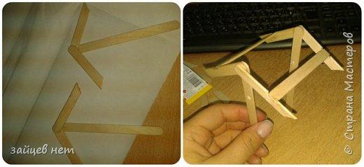 Этот колодец- одна из частей задуманной композиции! Что мне понадобилось: коробочка, бумага, палочки для мороженого, проволока, клей момент, шпатлёвка финишная сухая, акриловые краски, ножницы по метлу, канцелярский нож, цепочка, деревянная часть кисточки для ворота,наждачная бумага. Для ведёрка: картон, проволока, нить, акриловые краски и лак.   фото 6