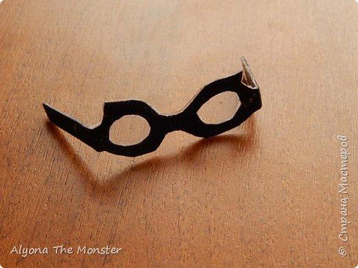 Привет! Сегодня я расскажу вам, ка сделать очки для кукол. фото 9