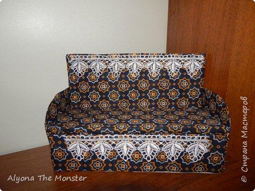 Всем привет. На этот раз я хотела бы показать вам мою коллекцию самодельных кукольных диванчиков. фото 2