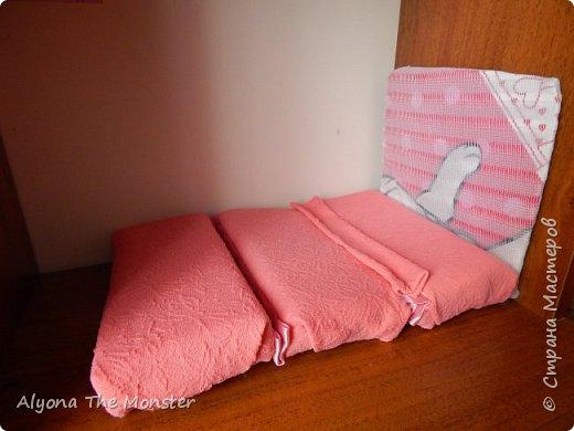 Всем привет. На этот раз я хотела бы показать вам мою коллекцию самодельных кукольных диванчиков. фото 6