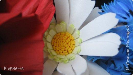 Добрый вечер, дорогие друзья и уважаемые мастера! Я продолжаю играться с фомом, пробую всякие цветочки, но не все формы нравятся.А еще я поняла, что мне больше нравится работать с ним руками, а не утюгом, ручные цветы получаются более нежные и естественные.Выношу на ваше обозрение. Броши-заколки, делала для внучек к 8 Марта. Их делала руками. фото 26