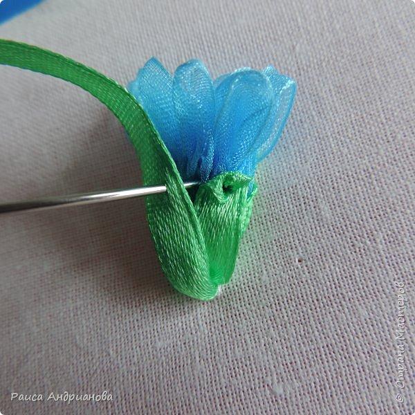 Для работы понадобится органза( я взяла шириной 2см т.к. делаю маленькие цветы), атласная лента 0,5см, нитки в тон органзы. фото 8