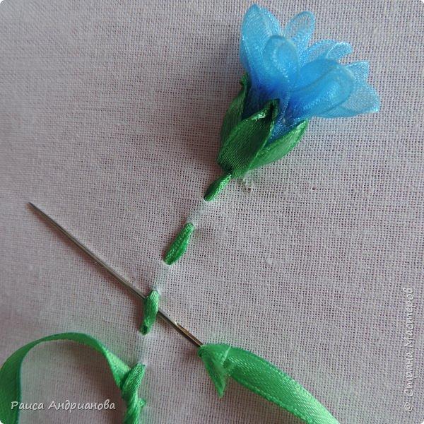 Для работы понадобится органза( я взяла шириной 2см т.к. делаю маленькие цветы), атласная лента 0,5см, нитки в тон органзы. фото 10