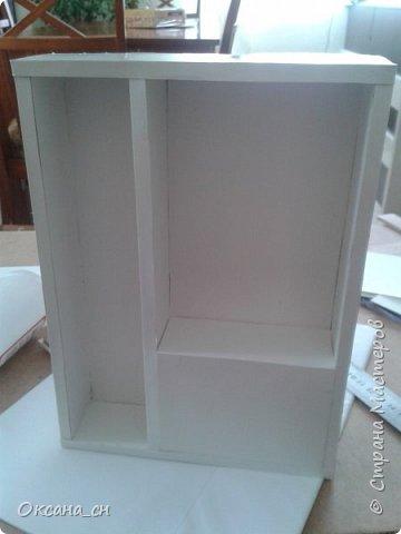 Здравствуйте, жители Страны Мастеров! По вашей просьбе постараюсь выложить МК создания мебели. Как видите, я немножко её приукрасила, добавив горшки с цветами и книги.   фото 21