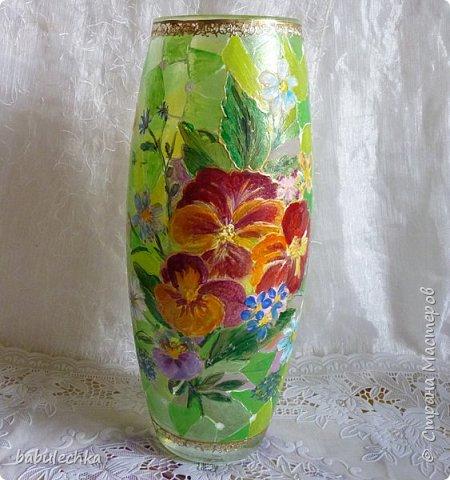 25июня2012года оять взялась за эту вазу  и внесла коррективы в цвет лепестков  и листьев. фото 2