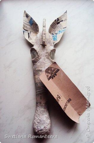 """Здравствуйте! Представляю вам , свою новую работу - маска """"Зебра"""". Для работы нам понадобится: 1). Эскиз будущего изделия; 2). Масса папье-маше http://stranamasterov.ru/node/740837 ; 3). Бумага газетная; 4). Бумажный скотч; 5). Фольга; 6). Серая, однослойная туалетная бумага; 7). Бинт; 8). Бинт; 9). Нождачная бумага; 10). Ножницы; 11). Клей ПВА; 12). Два круглых стёклышек; 13) Картон; 14). Краски акриловые чёрная и белая. 15). Пищевая плёнка """"Стрейч"""". фото 17"""